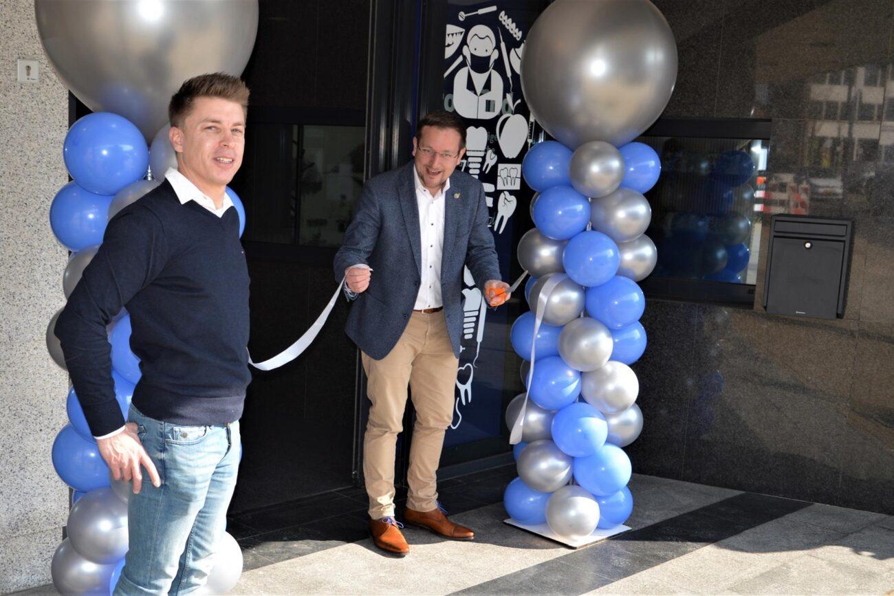 De opening van PRO-TAND aan de  Hovenstraat kon niet zonniger zijn!